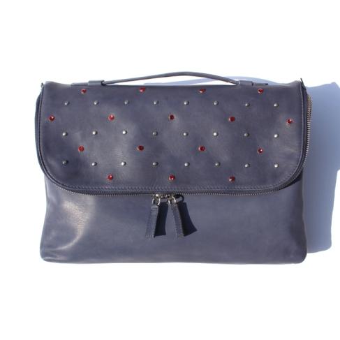コマコ・オフィチーナのミニレザーバッグ