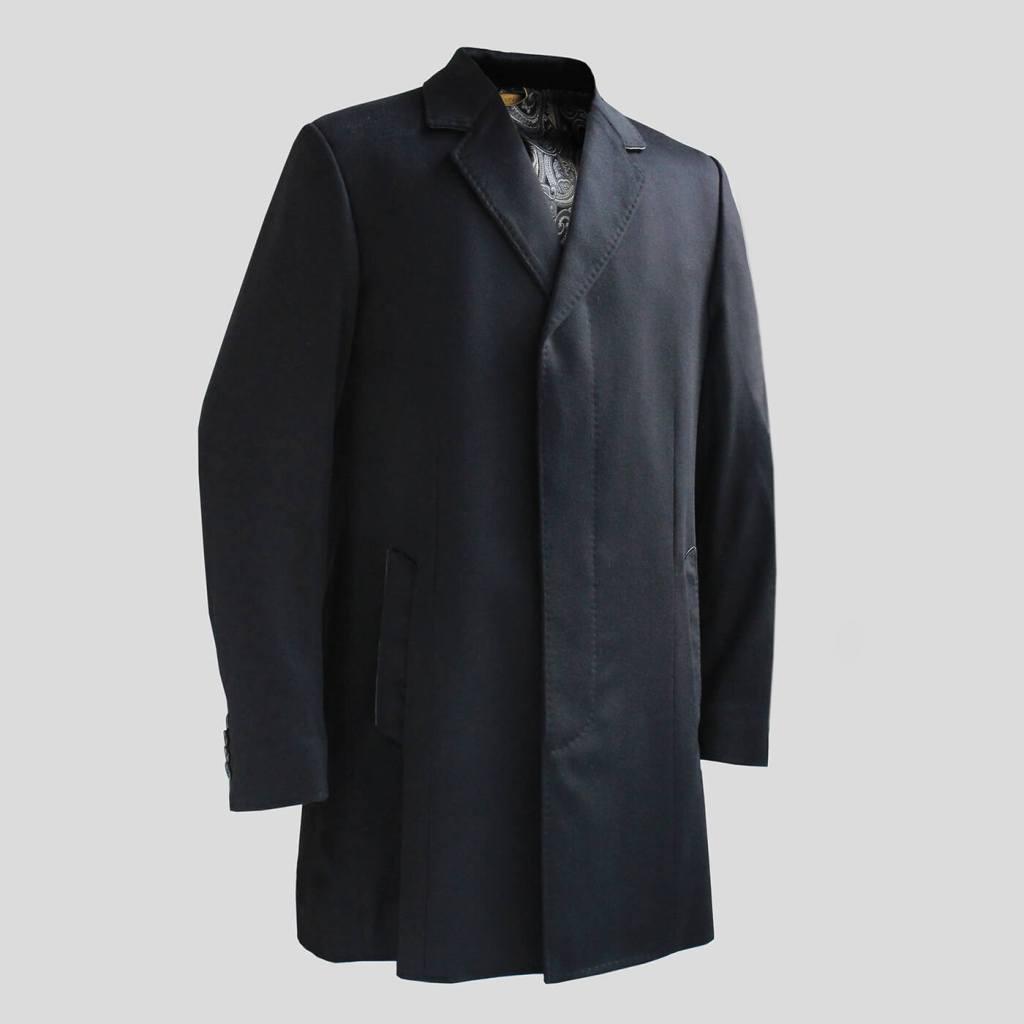 ジリーのカシミヤのメンズコートです。お色は黒です。